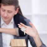 Pourquoi passer par une agence immobilière pour vendre son bien ?